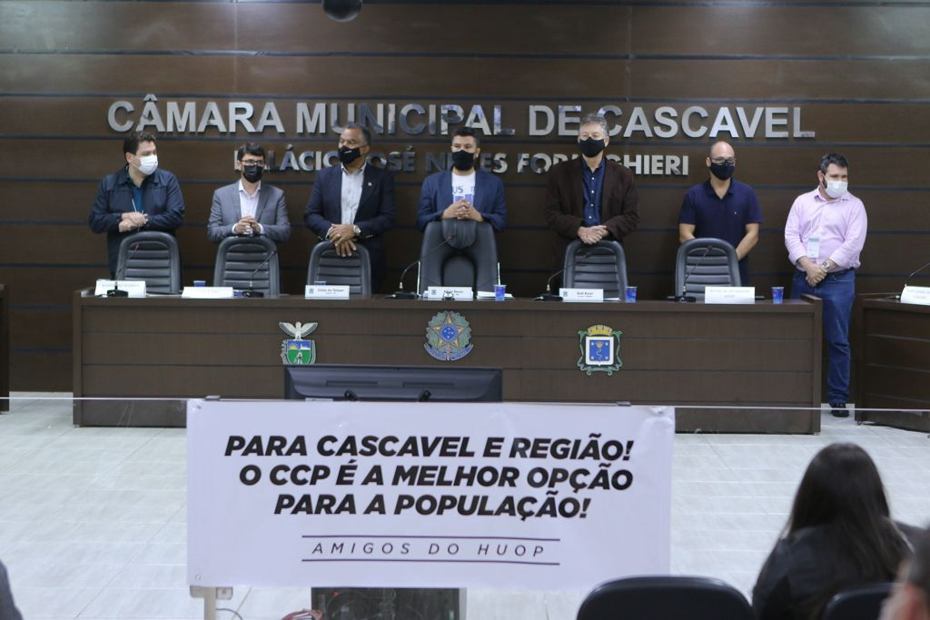 Audiência pública aconteceu no Plenário, na noite da quinta-feira, dia 16
